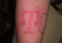 T-Mobile tatuaż iPhone 8
