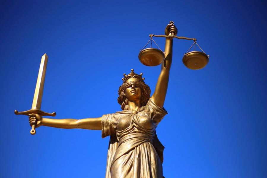 sąd sprawiedliwość