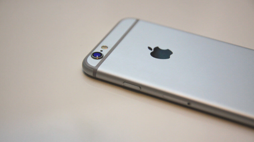 Apple iPhone Intel
