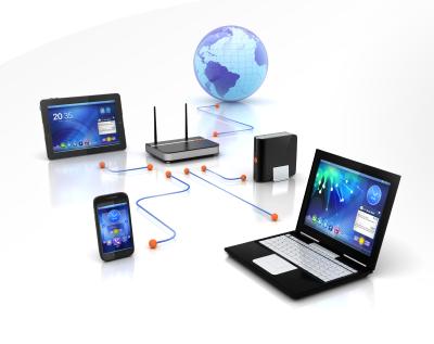 Komputer, który udostępnia zasoby lub usługi jest nazywany: