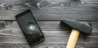 Rozbity iPhone