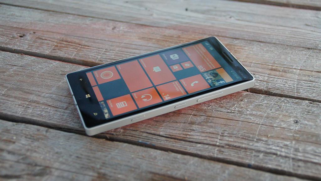 Lumia Windows 8.1 Phone