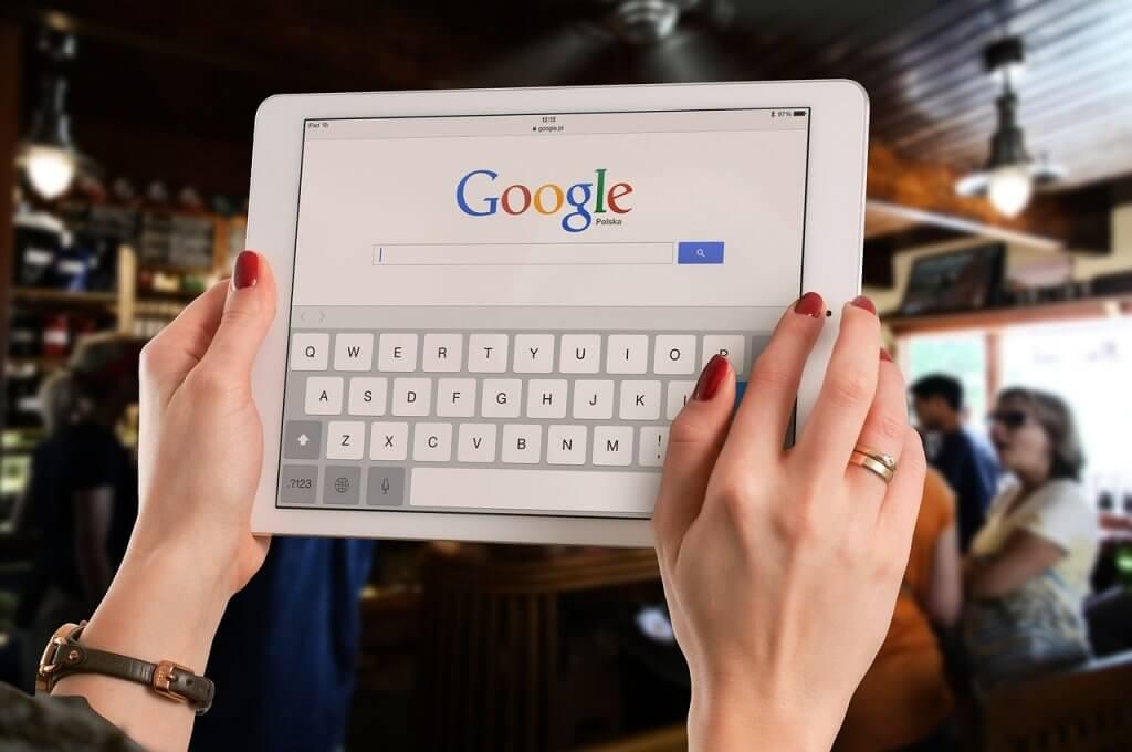 iphone, apple, google, safari
