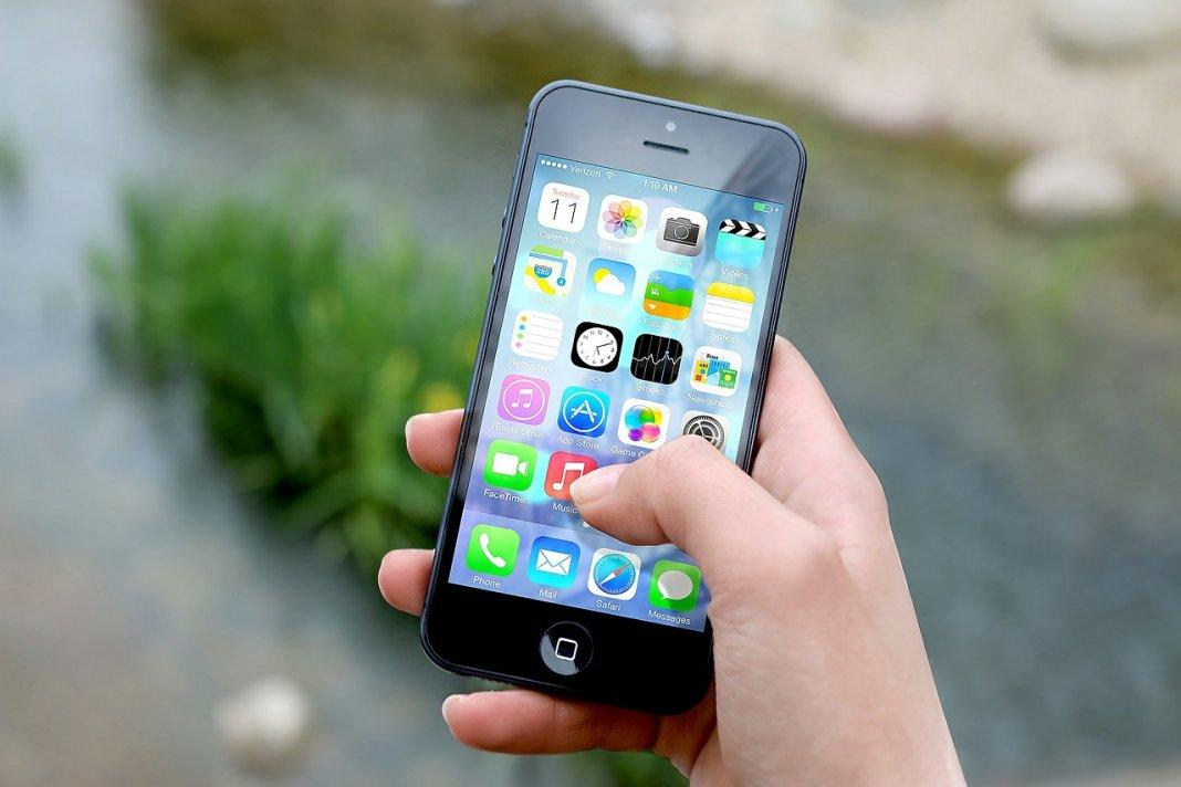iphone, apple, facetime