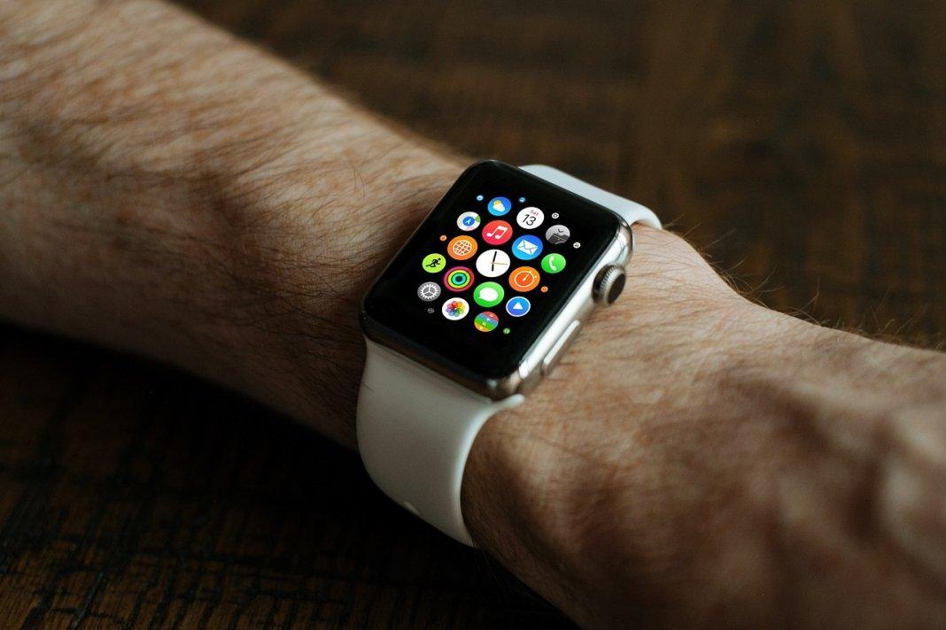 Apple Watch, sensor, pomiar cukru, stężenie alkoholu,