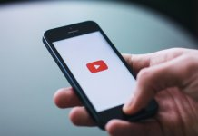 YouTube smartfon