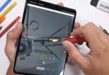 Samsung Galaxy Fold JerryRigEverything