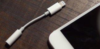 apple, iphone, se, lightining, ładowanie bezprzewodowe,