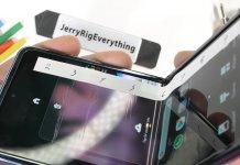 Galaxy Z Flip JerryRigEverything