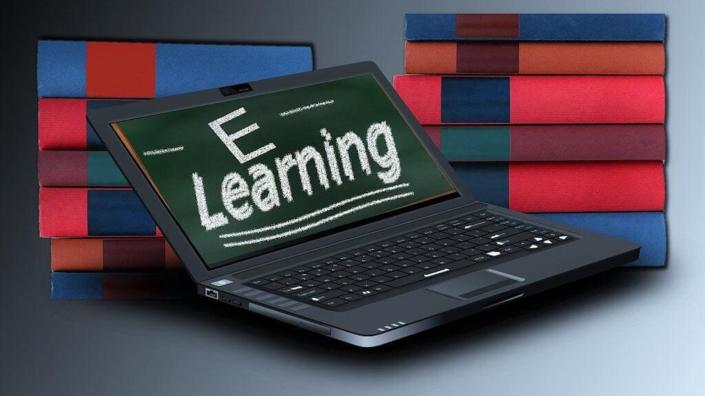180 mln zł na laptopy dla uczniów pochodzą z programu Polska Cyfrowa